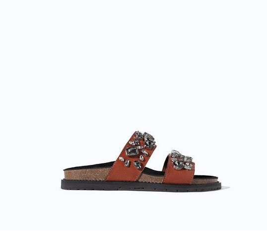 Zara Leder Jeweled Pool Slides ($ 100)