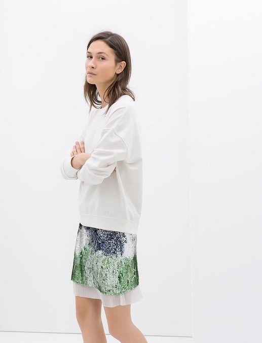 Zara Sequin und faltete Minirock ($ 70)