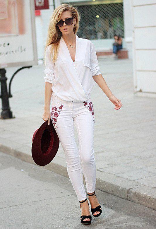 Trendy Outfit Idee mit weißen Jeans