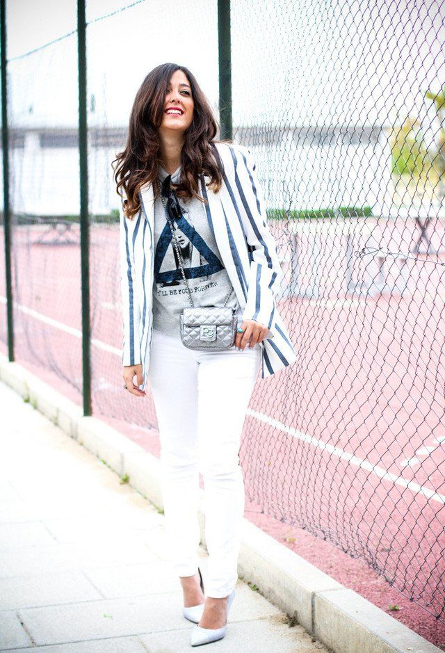 Chic weiße Jeans Outfit Idee
