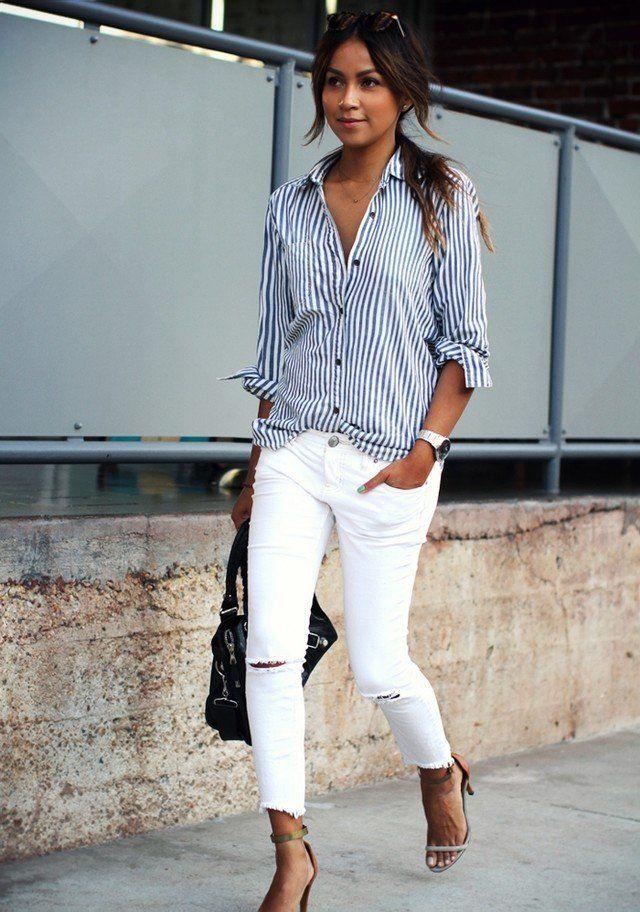 Streifen-Bluse und weiße Jeans