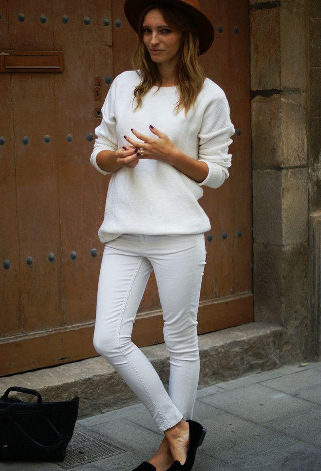 Alle Weiß Kombination Ideen für stilvolle Frühlings-Looks: Hut