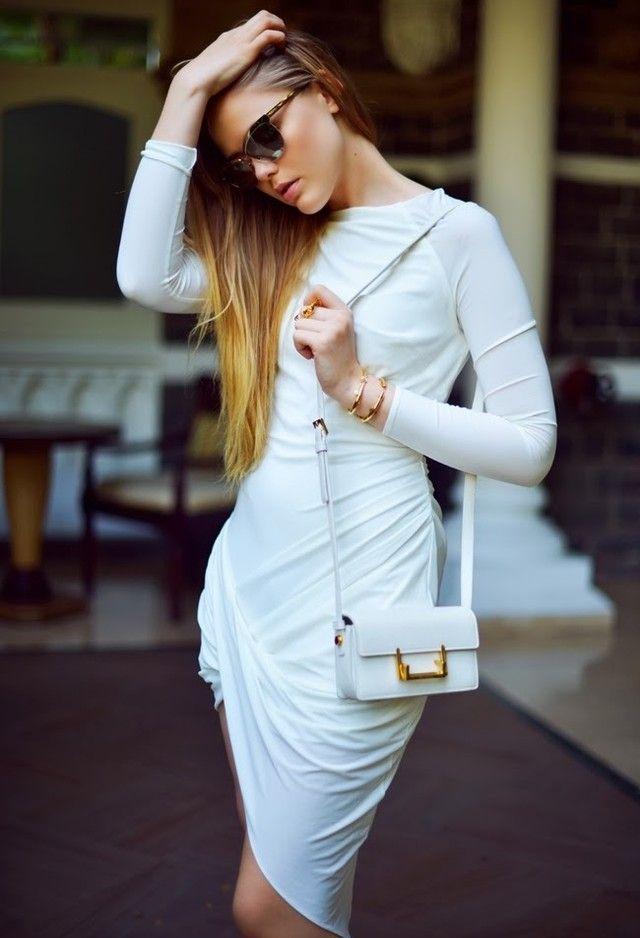 Alle Weiß Kombination Ideen für stilvolle Frühlings-Looks: One-Piece-Kleid