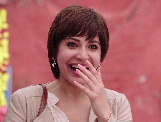 Anushka Sharma-Make-up-in-PK;