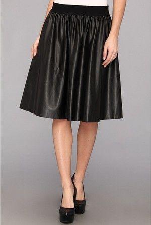 Wie olivia palermos damenhaft schwarzen lederrock während der fashion week zu tragen
