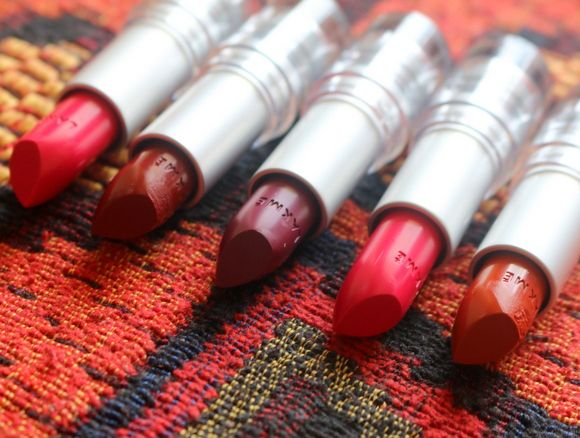 Lakme enrich matte lippenstift rm 13 überprüfung, muster und fotd