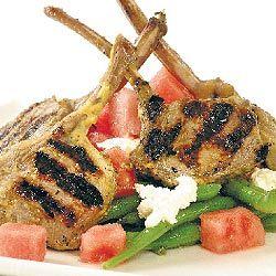 Lammkoteletts mit Bohnen und Feta-Salat