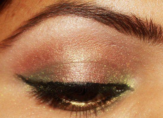 Wie gold getönten make-up zu tragen?