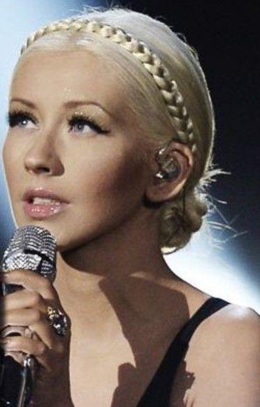 Christina Aguilera Frisuren: Geflochtenes Brötchen