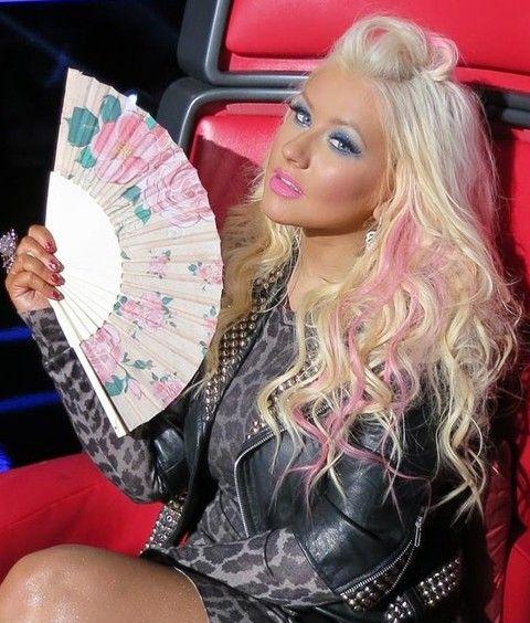 Christina Aguilera Frisuren: Half-up Halb-down-Frisur