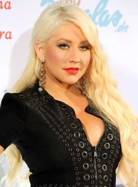 Christina Aguilera Frisuren: Recht lange Curls