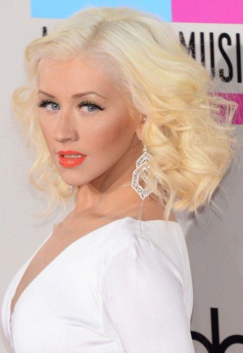 Christina Aguilera Frisuren: 2014 Side-gescheitelt Medium Curls