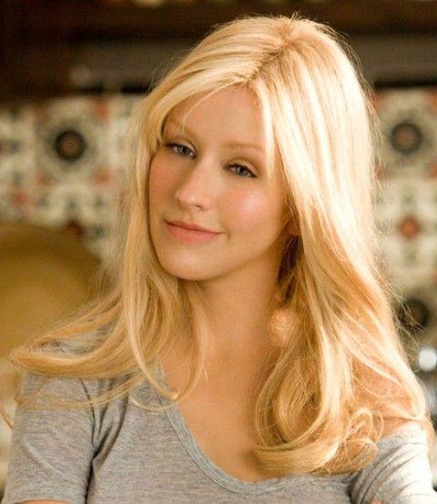 Christina Aguilera Frisuren: lässig-elegante Wellenförmige Haircut