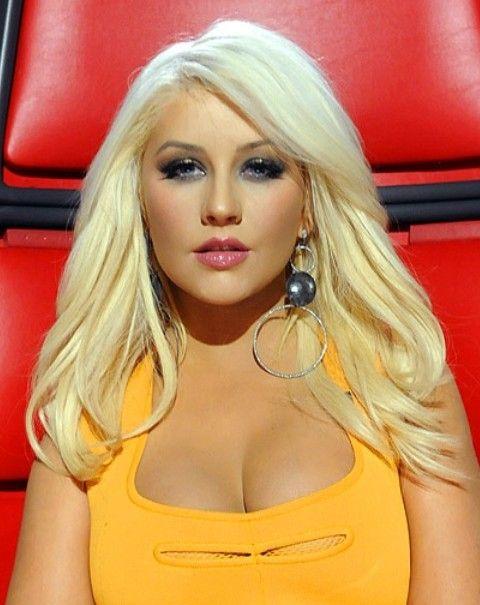 Christina Aguilera Frisuren: Schöne Gerade Haircut