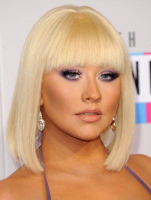 Christina Aguilera Frisuren: 2014 Entzückende Mittellange Bob