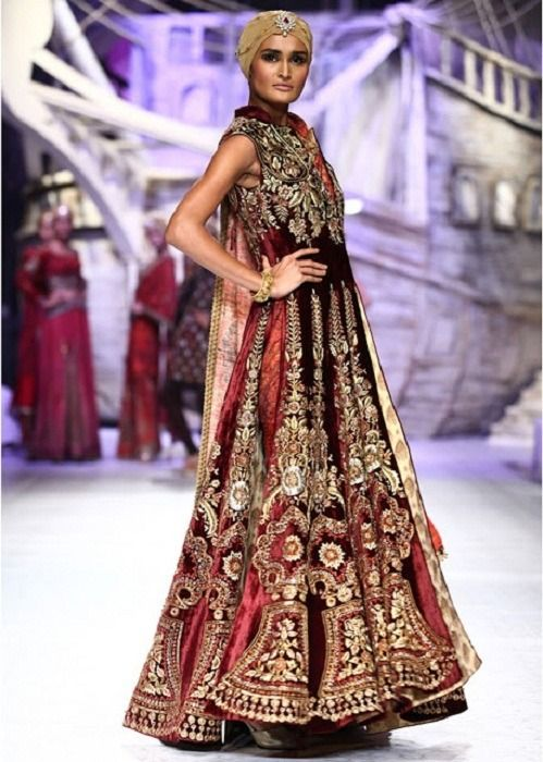 JJ Valaya in Indien Bridal Fashion Week 2013