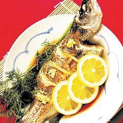 Traditionelle chinesische gedünsteten fisch