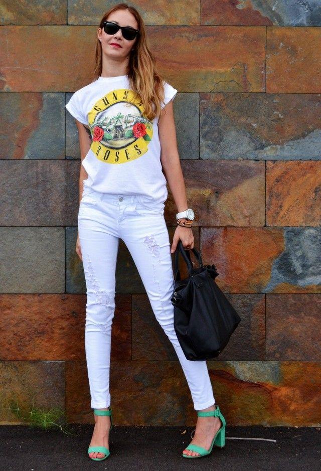 Trendy möglichkeiten, um ihre weiße jeans für verschiedene gelegenheiten zu tragen