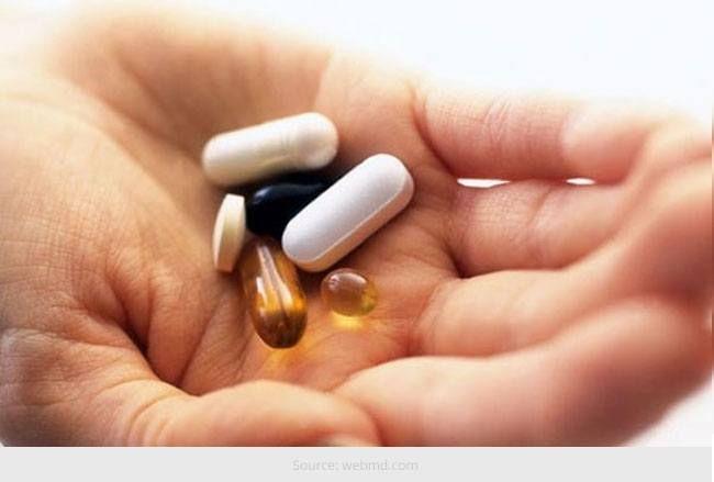Vitamin-ergänzungen alle zwanzig-etwas bedürfnisse