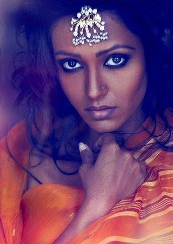 Farben für Düsteres Haut der Frauen