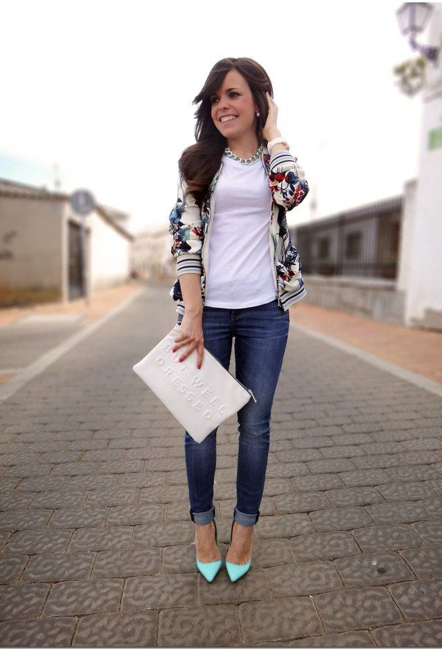Lässige White Tee Outfit Idee mit Jeans